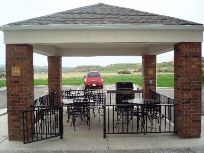 Relax With Friends And Family At Our Convenient Gazebo Grill. Grilling Tools Available At The Front Desk. 4 of 8