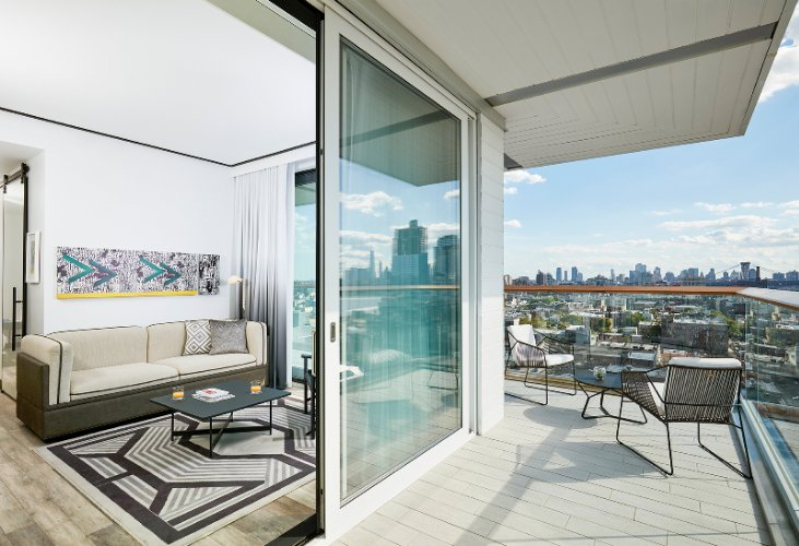 Gotham Corner Suite -Balcony 1 16 of 27