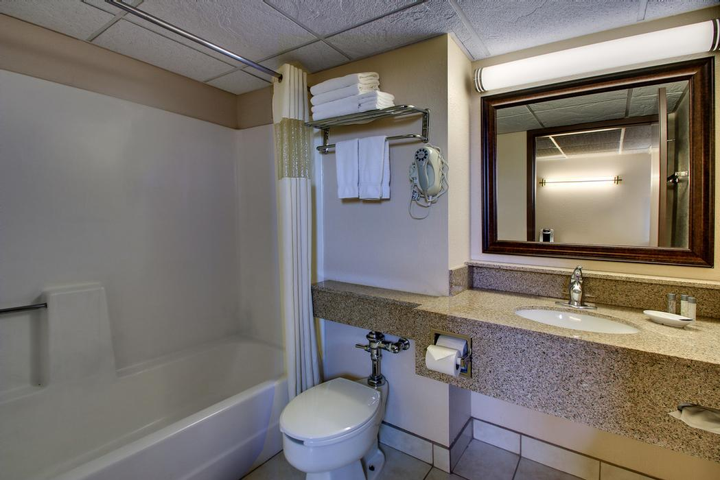 New Tubs In Double Queen Rooms 26 of 31