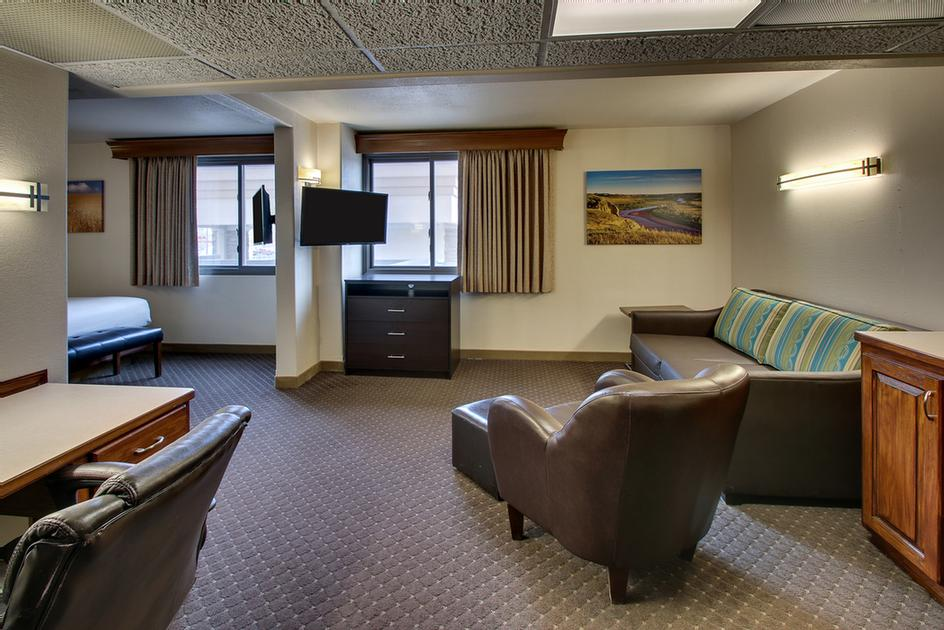 Executive Suite 2 10 of 31
