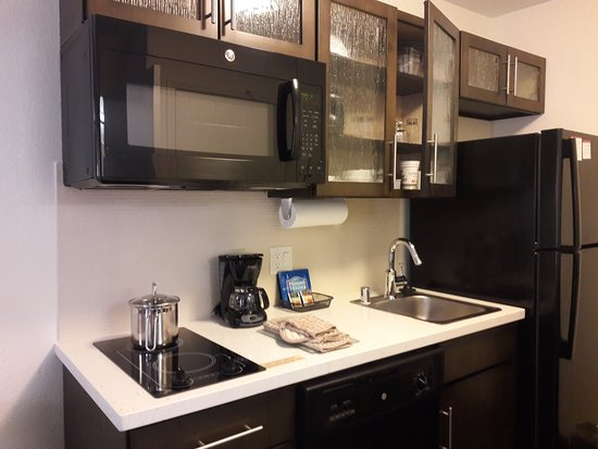 Studio Suite Kitchenette 15 of 27