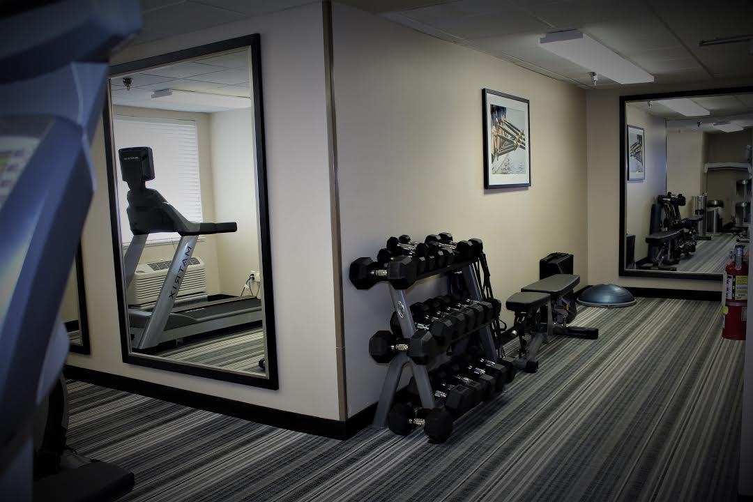 Fitness Center 17 of 27