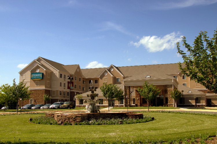Staybridge Suites Chantilly / Fairfax Dulles Airpo 1 of 30