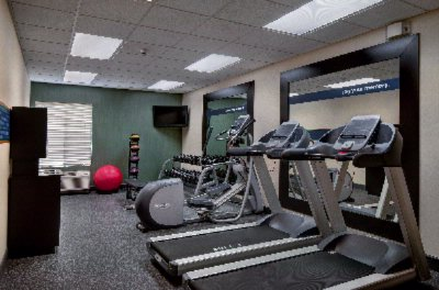 Fitness Center 14 of 18
