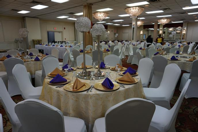 Banquet Set-Up 2 of 51