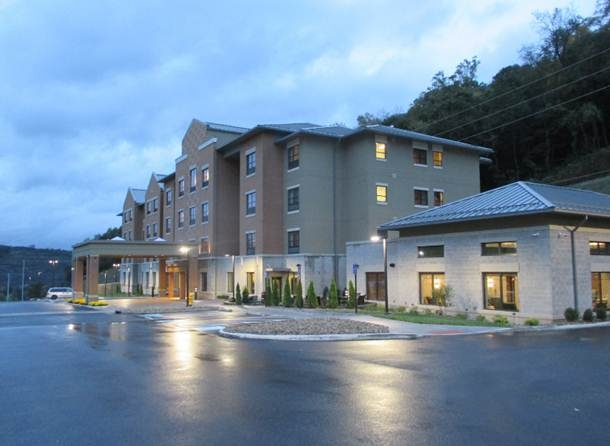 Best Western Plus Franciscan Square Inn & Suites Steubenville 1 of 7