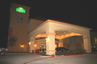 La Quinta Inn & Suites Glen Rose 1 of 6