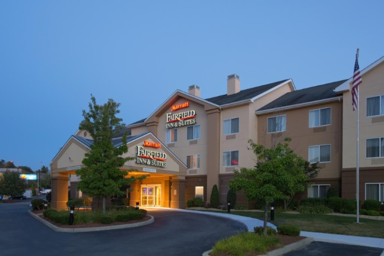 Fairfield Inn & Suites Boston Milford 1 of 11