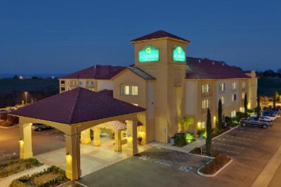 La Quinta Inn & Suites 1 of 15