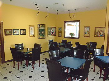 Our Sunny Gathering Room With Its Own Art Gallery Is Perfect For Smaller Groups. 9 of 10