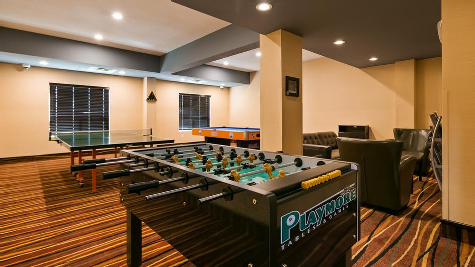 Enjoy Endless Hours Of Fun With Friends Family Or Collegues In Our Entertainment Lounge Complete With Ping Pong Foosball And Pool Tables. Or Enjoy The Big Game On Our Big Tv! 4 of 11