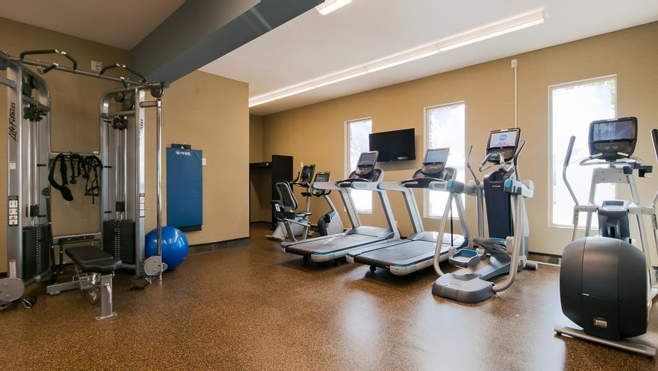 Our 24 Hour Fitness Centre Includes State Of The Art Equipment Where You Can Track Your Fitness Progress And Even Exercise While Watching Your Favorite Show On Netflix! 9 of 11