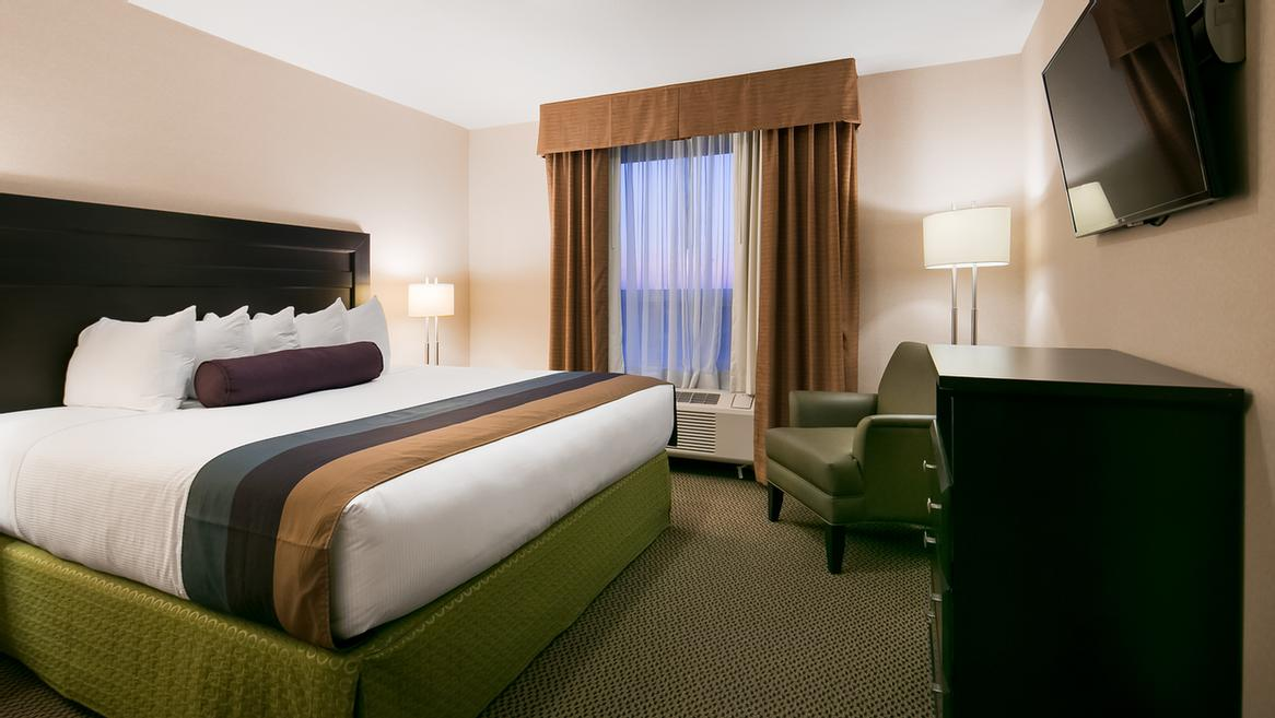 Sink Into Our Comfortable Beds Each Night And Wake Up Feeling Completely Refreshed. 10 of 11