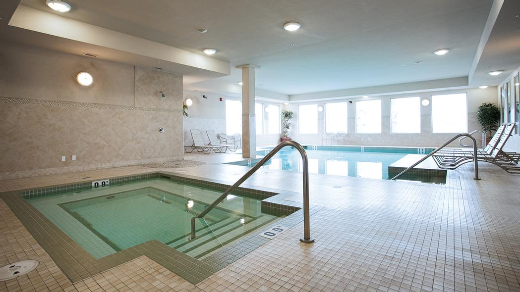 Relax In Our Salt Water Pool And Hot Tub 5 of 8