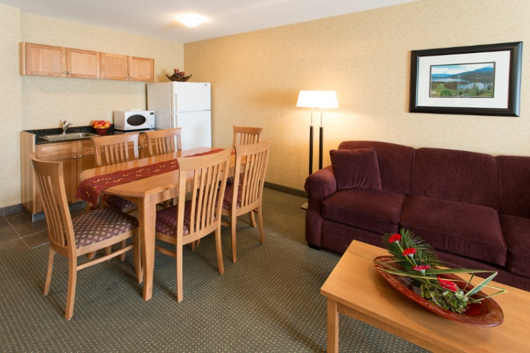 Executive Suite Dining 15 of 31