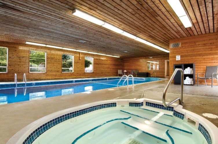 Indoor Pool And Hot Tub 7 of 31