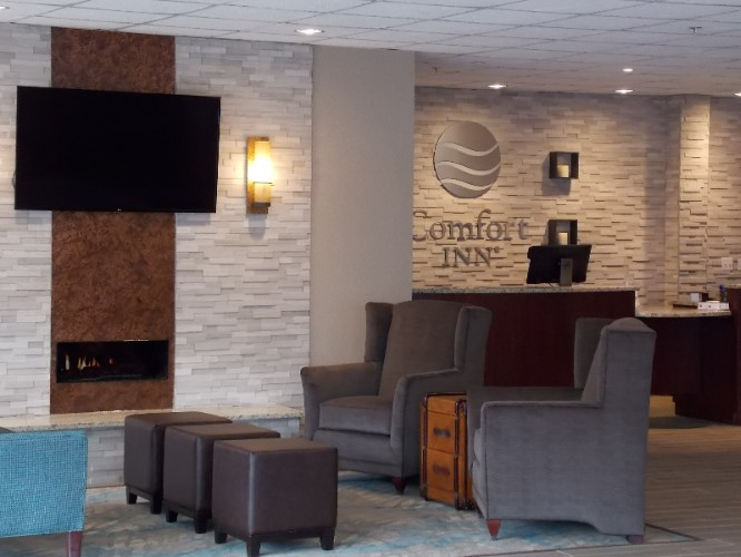 Comfort Inn Bay City Riverfront 1 of 15
