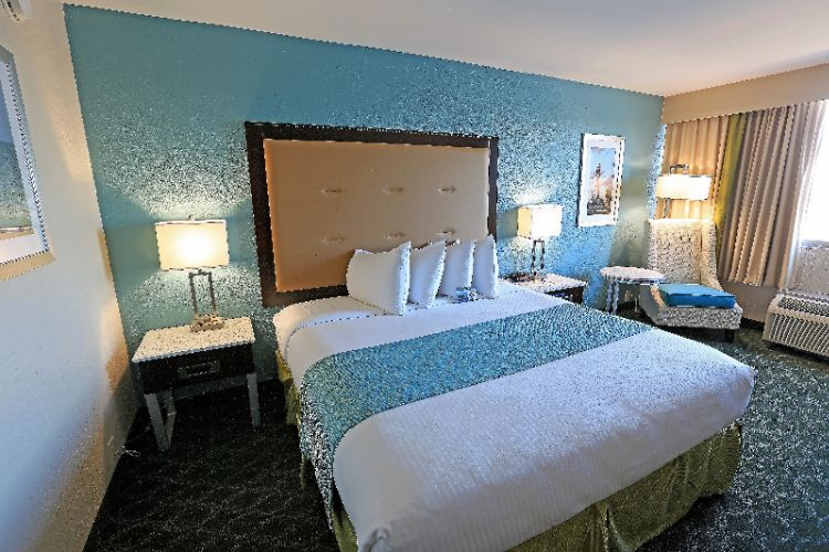 King Room For 2 Persons 10 of 21