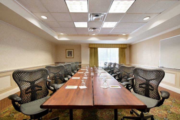 Boardroom 400 Sq Feet Ideal For Your Small Meetings! 11 of 22
