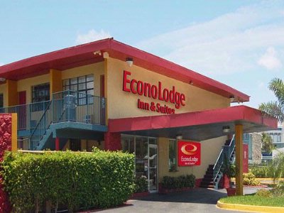 Econo Lodge 1 of 7