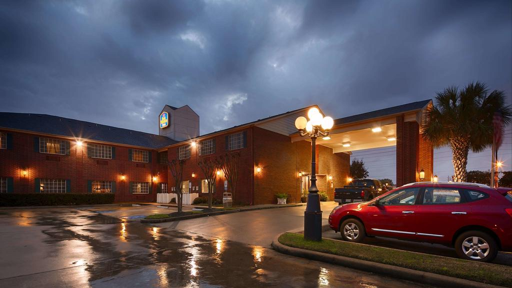 The Best Western Mini Suites Plus 3 of 16