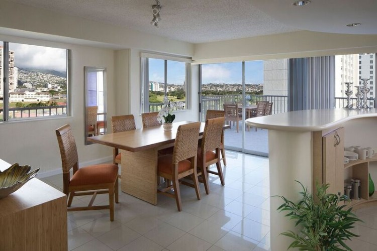 Coconut Waikiki -2bdrm Penthouse Suite 12 of 14