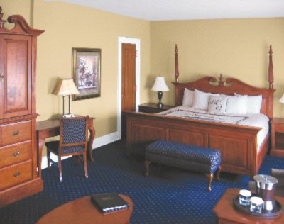 Blue Ridge Suite Guest Room 7 of 13