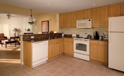 Full Kitchen Full Size Appliances In-Suite Washer/dryer. 6 of 11