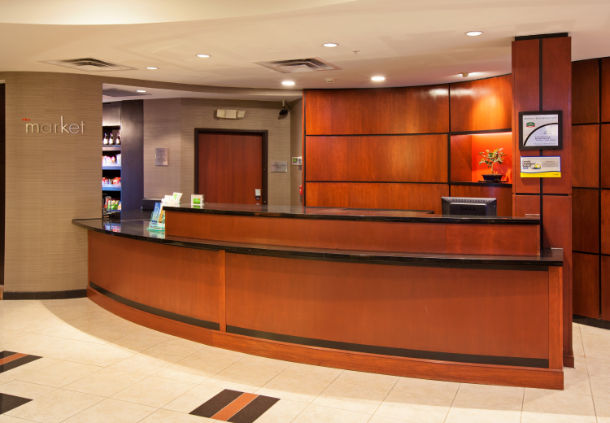 Front Desk 4 of 10