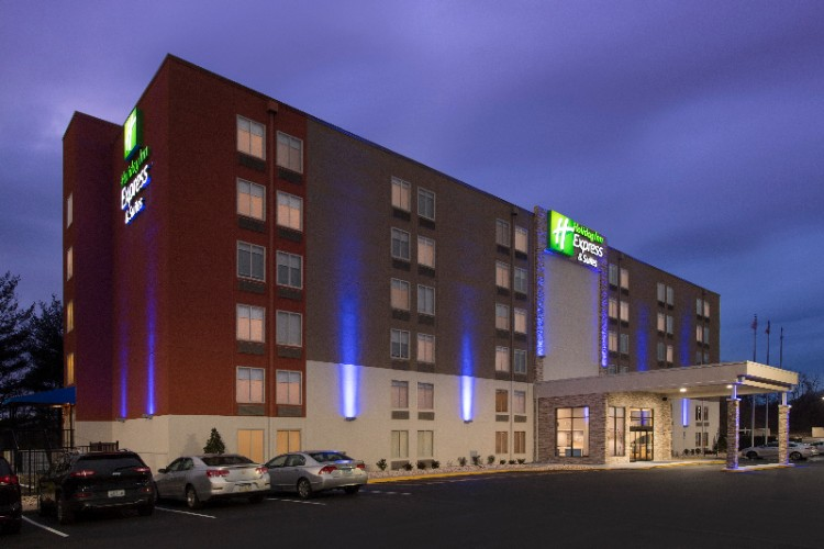 Holiday Inn Express & Suites College Park University Area 1 of 19