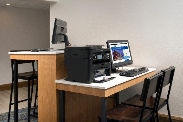 Complimentary Business Center With Printing Capabilities 14 of 20