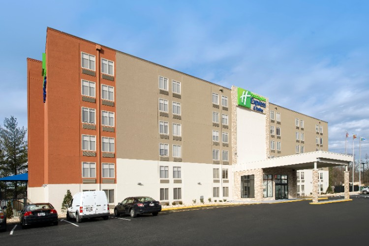 Welcome To The Holiday Inn Express & Suites College Park 3 of 20