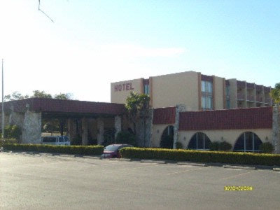 Oak Hills Motor Inn 1 of 4