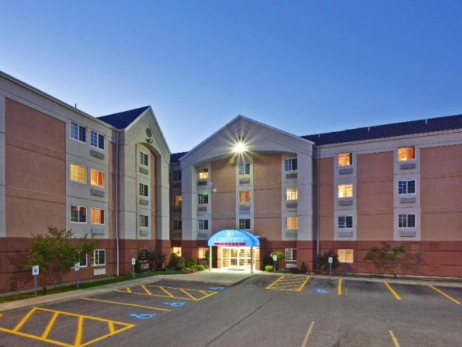 Candlewood Suites Syracuse Airport 1 of 9