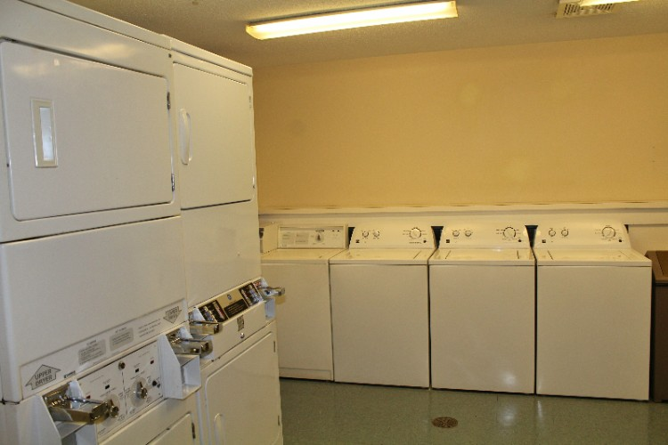 24hr Self Serve Laundry Room 5 of 9