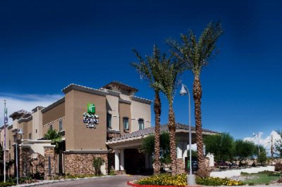 Holiday Inn Express Phoenix-Glendale 6 of 11