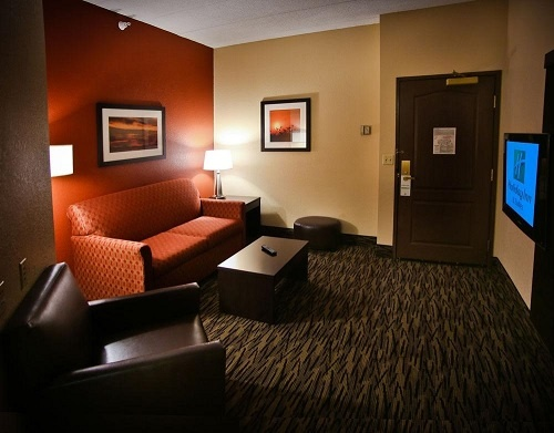 Holiday Inn Hotel & Suites La Crosse 1 of 6
