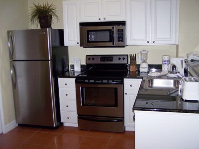 Stainless Steel Appliances/granite Countertops 3 of 7