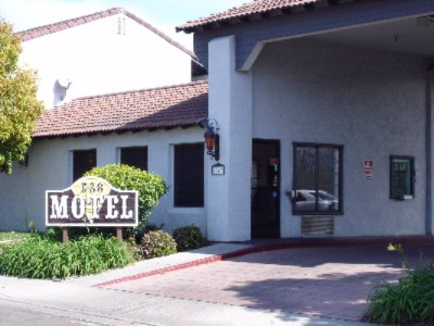 Ez 8 Motel Old Town 1 of 3