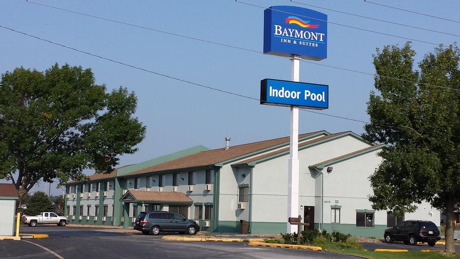 Baymont Inn & Suites Ames 1 of 6