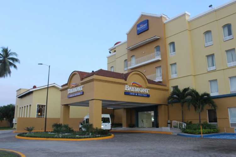 Baymont Inn & Suites Lazaro Cardenas 1 of 7