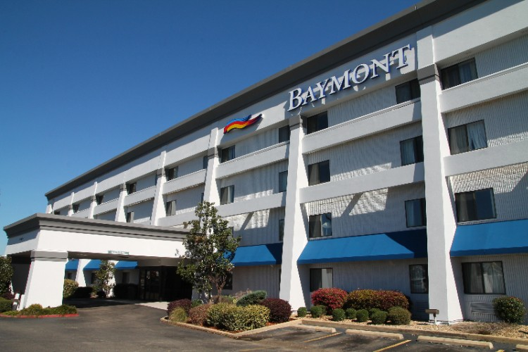 Baymont Inn & Suites Texarkana 1 of 11