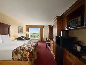 Newly Renovated (Deluxe) Guest Rooms -2 Queen Beds 8 of 9