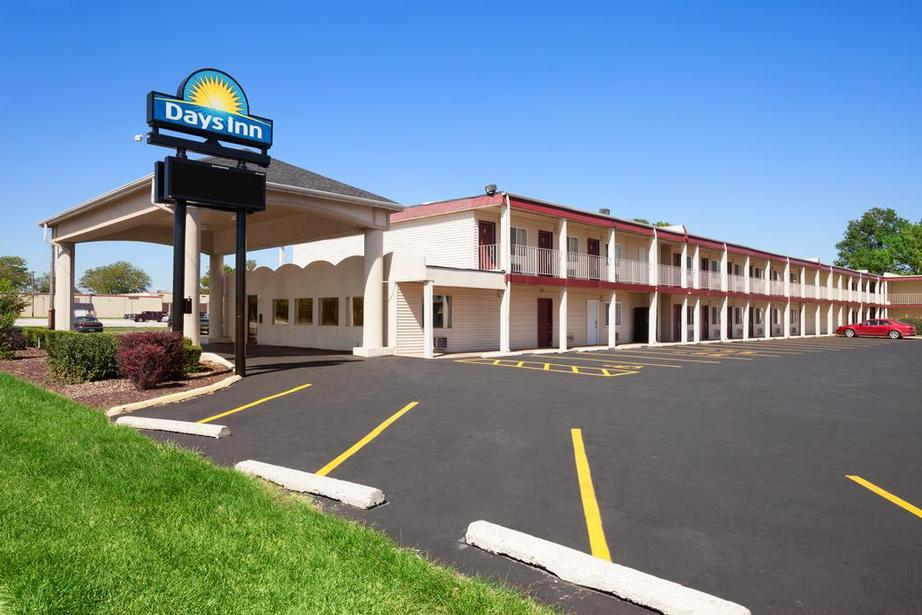 Days Inn Champaign / Urbana 1 of 14