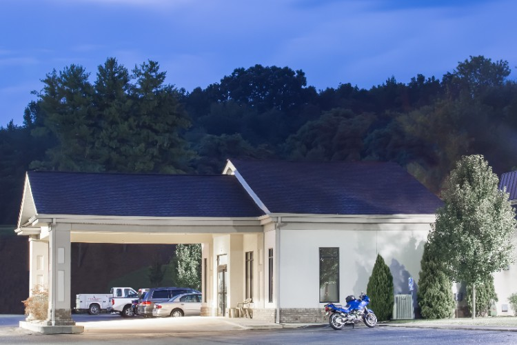 Super 8 Hotel Daleville Va 3 of 18