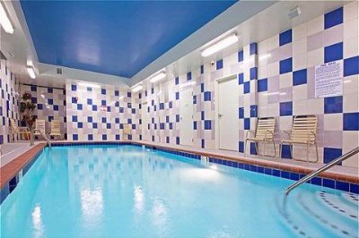 Indoor Swimming Pool 17 of 18