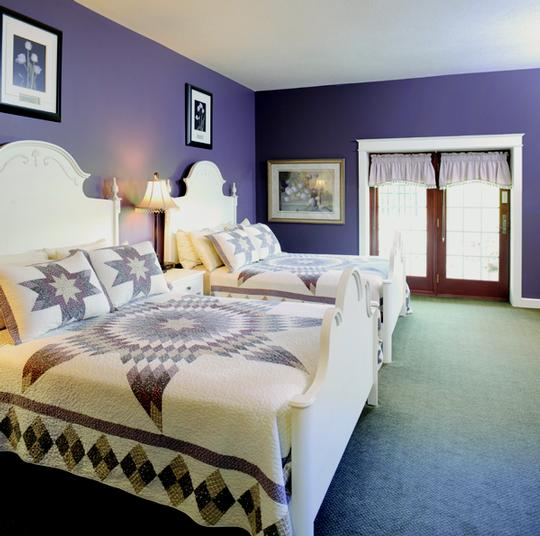 Standard Room With 2 Queen Size Beds 4 of 7