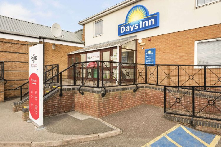 Days Inn Watford Gap 1 of 16