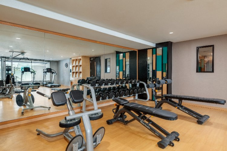 Fitness Center 18 of 21