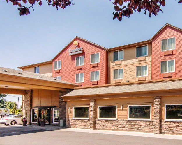 Comfort Inn & Suites 4 of 11